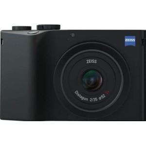 Camerarace | Zeiss ZX1 vs Leica Q2